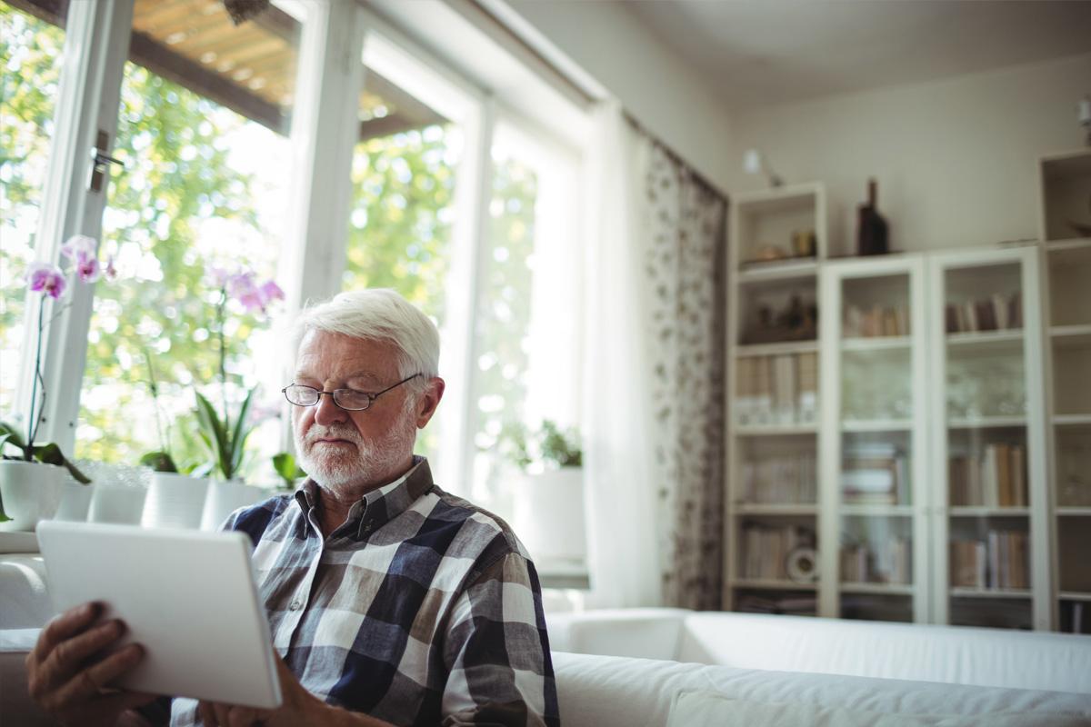 Am Tablet über Inkontinenz nach Prostata OP informieren