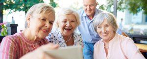 Senioren fühlen sich wohl trotz Stressinkontinenz dank Abena