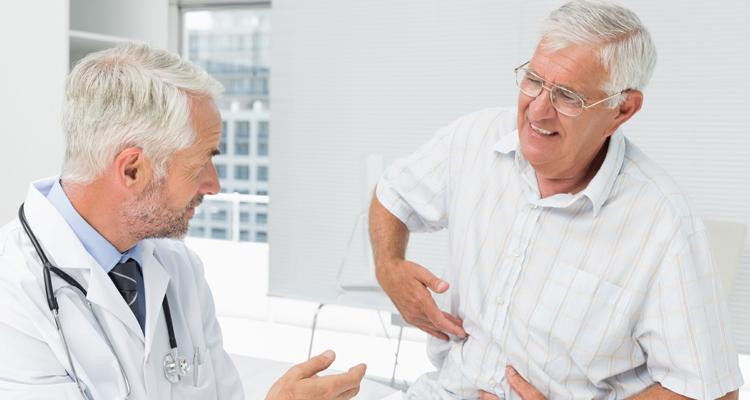 Patient beschreibt Arzt seine Harninkontinenz Probleme