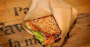 Eingepackter Burger vom Roskilde Festival